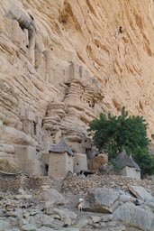 Dogon graneries, cliff, Irelli.