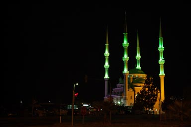 Night, Gren lit mosque 4 minarettes, before Trabzon.