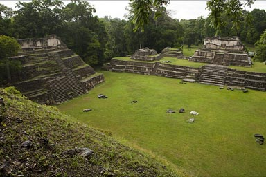 Such is the description of structures in Caracol, it pours.
