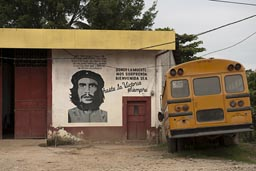 Che quote, Till Death. Yellow bus. Guatemala.