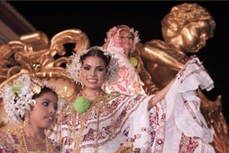 Golden polleras, queens float and queens, Las Tablas, Panama.