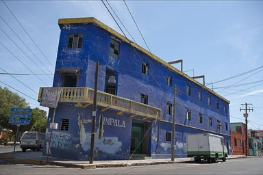 Building for sale in Mazatlan. Good for a first floor bar.