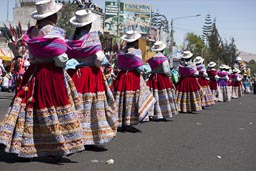 Arequipa Day, Avenida de Independencia, red bolleras, Folkloric Dance group.